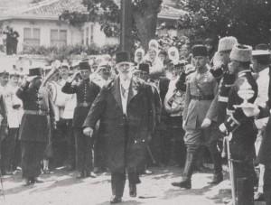 LAST-CALIPH-ABDULMEJID-EFENDI-1923-300x227
