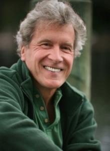 John Perkins, aktivis dan mantan bandit ekonomi. (Foto: artspring.ca)