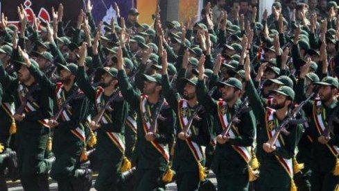 CNN melaporkan pada hari Jumat kemarin (13/6/2014) bahwa Iran telah mengirim sekitar 500 pasukan elit dari Garda Revolusi untuk berjuang bersama pasukan pemerintah Irak melawan kelompok mujahidin/jihadis ISIS dan lainnya.